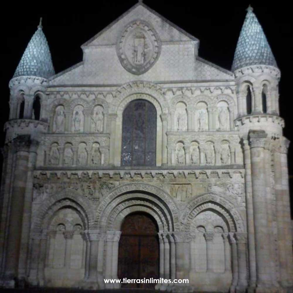 Notre Dame, Poitiers